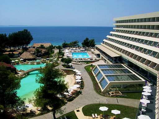 By Sithonian (Own work) [Public domain], via Wikimedia Commons https://upload.wikimedia.org/wikipedia/commons/0/05/Porto_Carras_Sithonia.jpg Лучшие курорты Греции